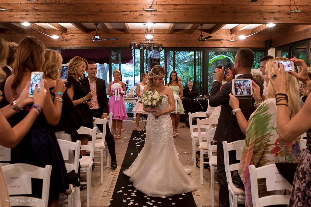 Laura Mesi, prima sposa single: