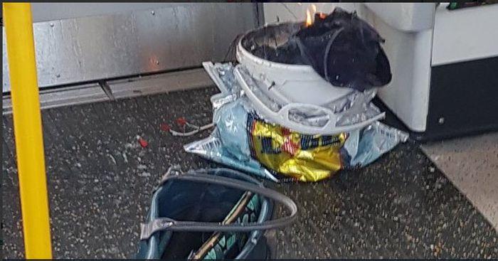 Esplosione nella metropolitana di Londra. Ci sono feriti