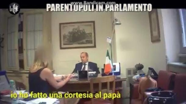 Governo, il sottosegretario Rossi rimette deleghe dopo servizio de Le Iene