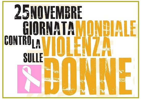 #Sbloccailcoraggio, Totti in campo contro il femminicidio: