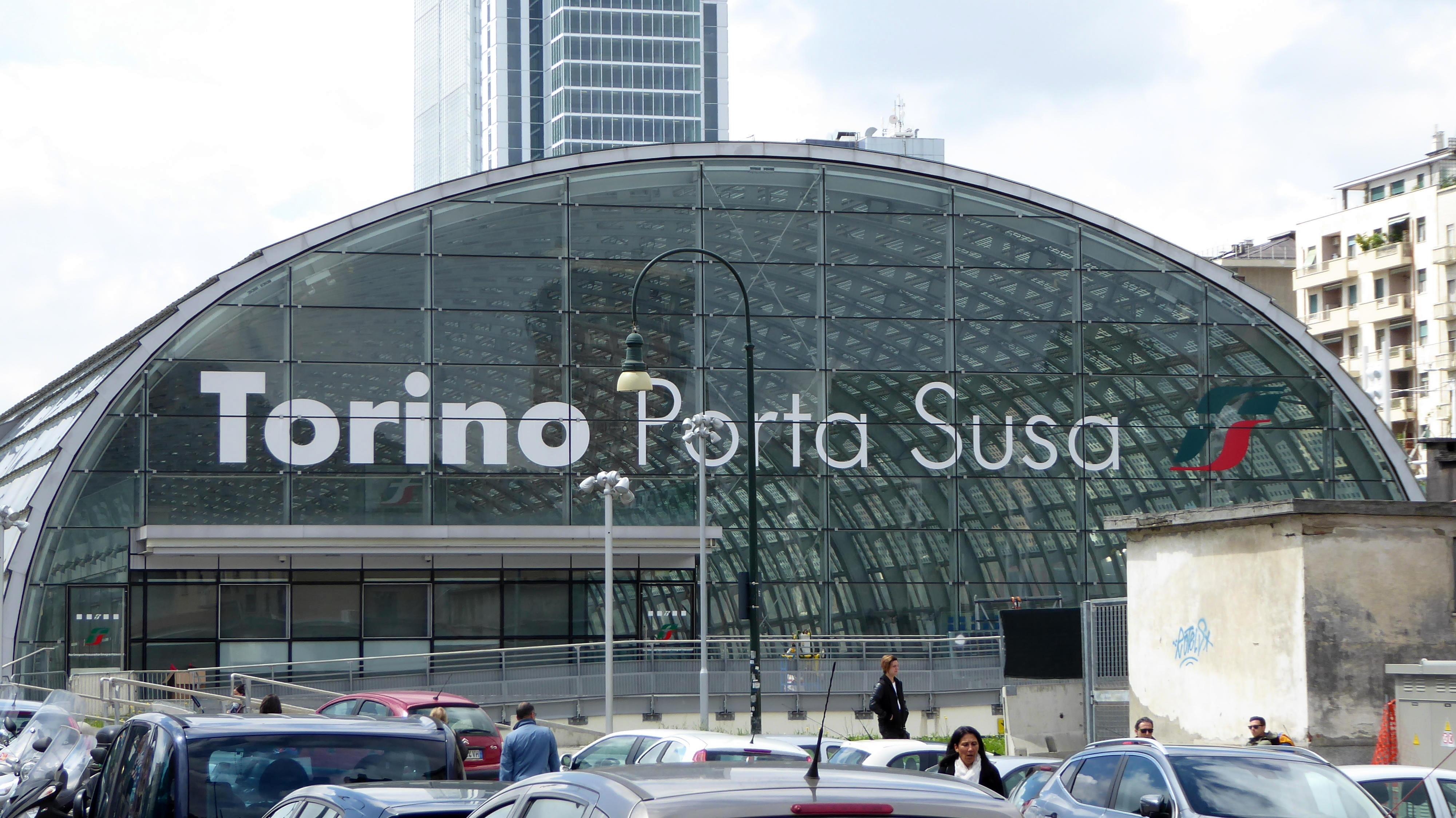 Cade sotto il treno 15enne muore a torino - Porta susa stazione ...