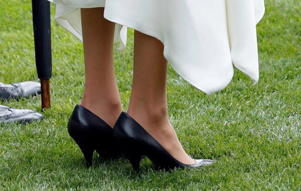 Meghan Markle e le scarpe grandi: ecco svelato il perché