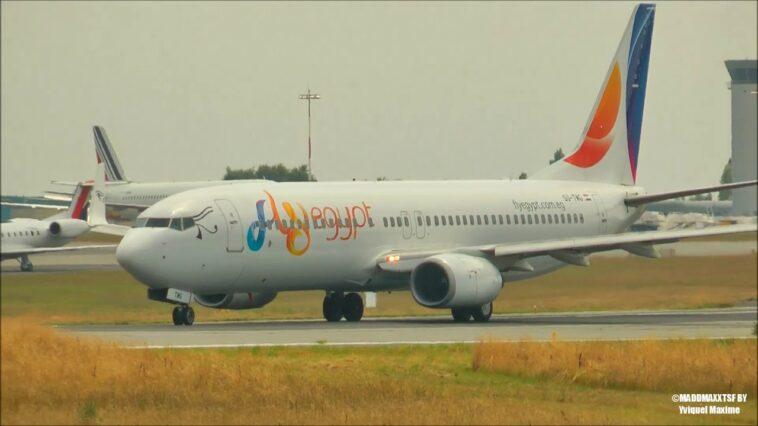 Problemi per un altro Boeing 737: in fase di decollo si sente un botto e un odore di cherosene