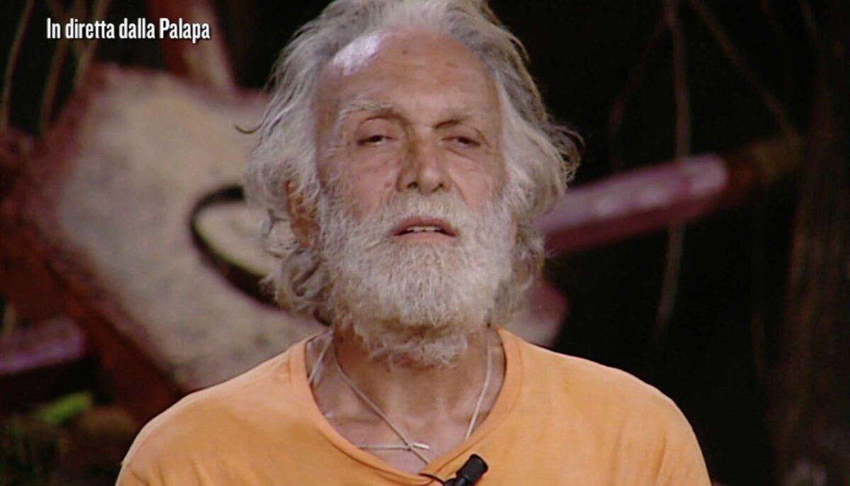 """Isola dei Famosi, la voce: """"Riccardo Fogli ha chiesto le pillole blu"""""""