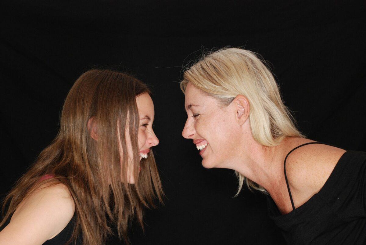 4 frasi che una madre non dovrebbe mai dire alla propria figlia