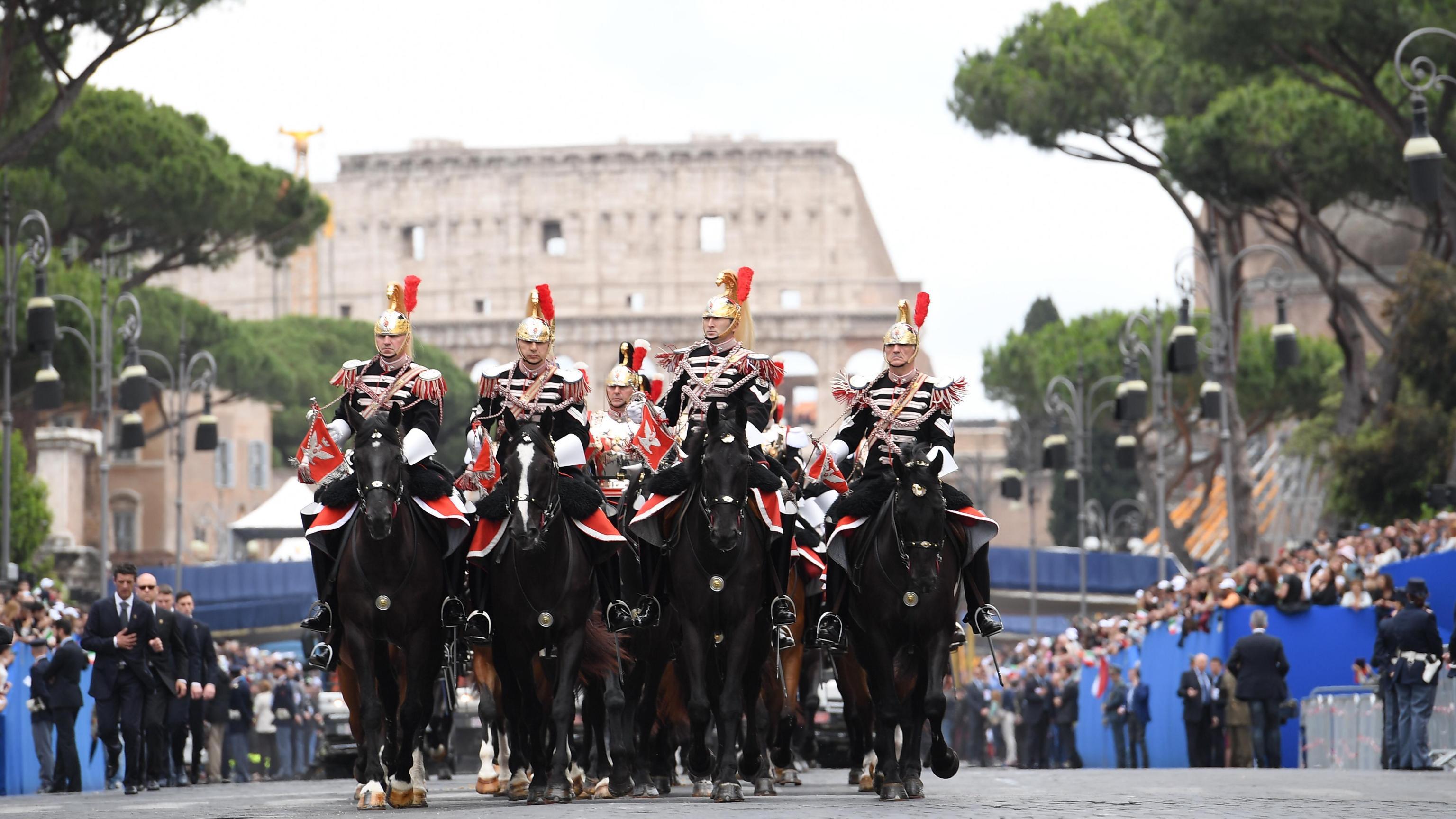 Calendario Repubblica.2 Giugno Festa Della Repubblica Ecco Perche E Rosso In