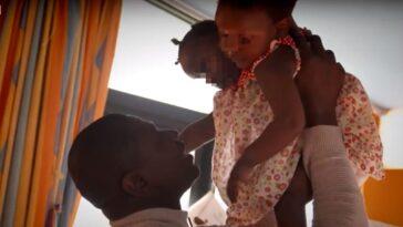 """Padre non vuole dividere le figlie siamesi: """"Non posso scegliere chi deve morire"""""""