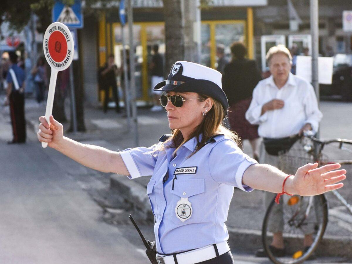 Quanto guadagna un vigile urbano? E come si entra nella Polizia Municipale?