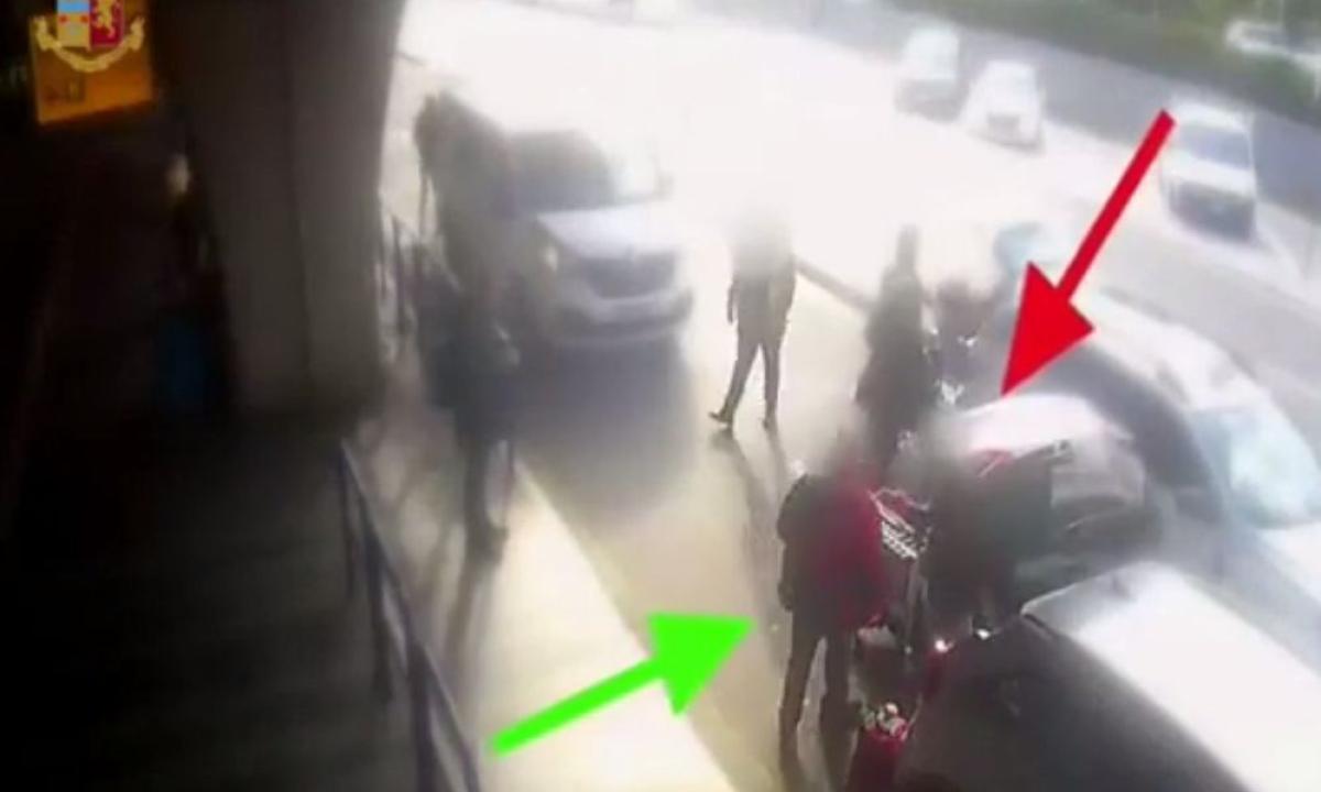 Chiede l'uso del tassametro a Fiumicino, tassista gli spacca