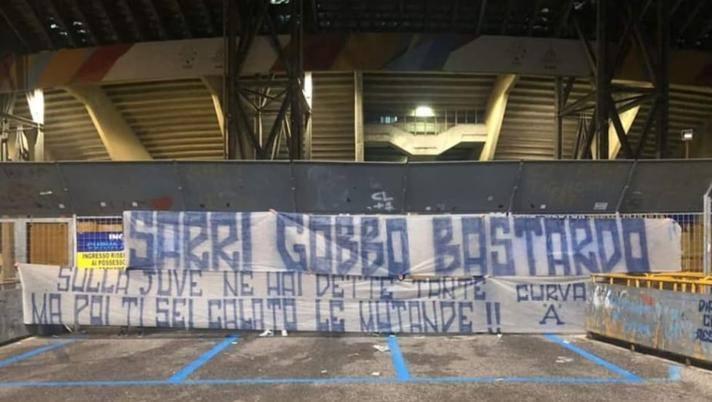 Striscioni contro Sarri al San Paolo