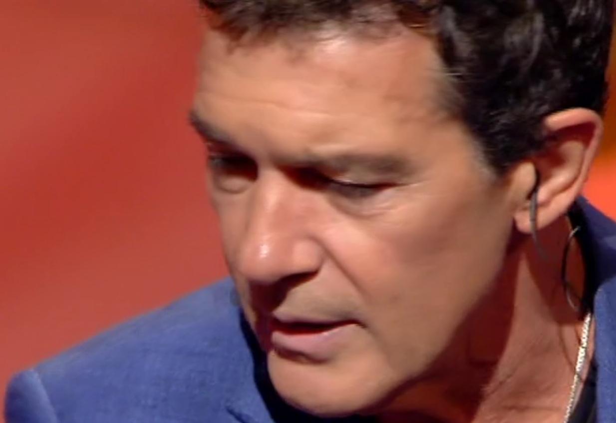 Antonio banderas ospite a C'è Posta per te