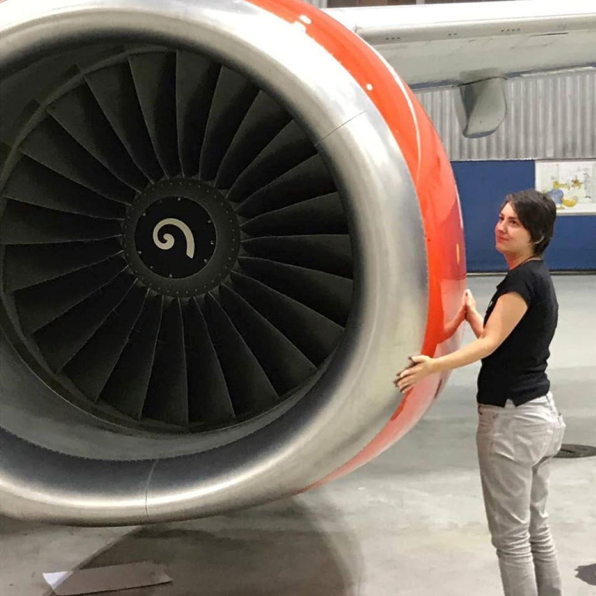 donna sposa aereo