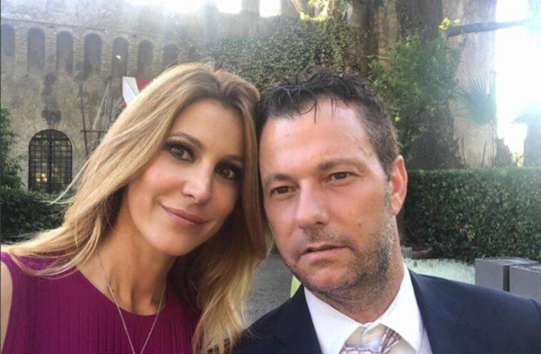 Adriana Volpe incontra il marito Roberto