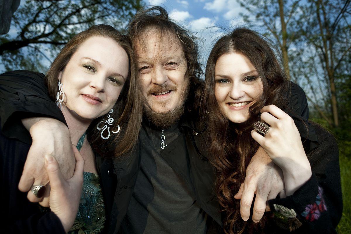 Zuccchero Fornaciari con le figlie
