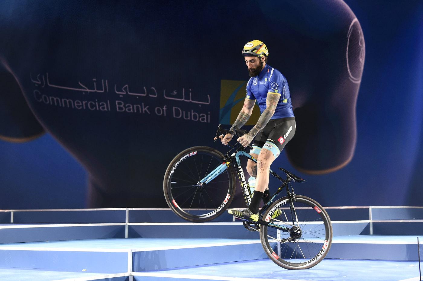 Vittorio Brumotti fa bike trial