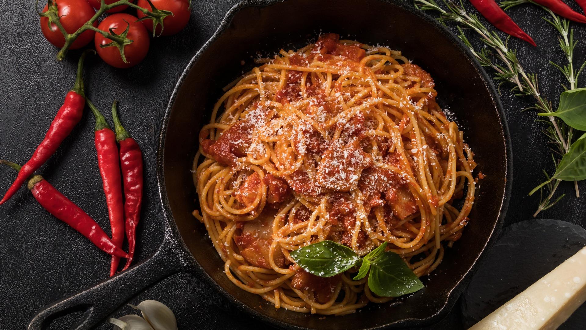 Ricetta Amatriciana Con Cipolla.Amatriciana La Ricetta Perfetta Del Famoso Piatto Laziale