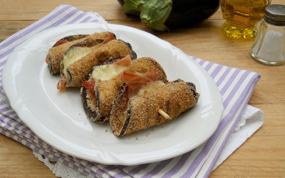 Involtini di melanzane e zucchine con speck e mozzarella