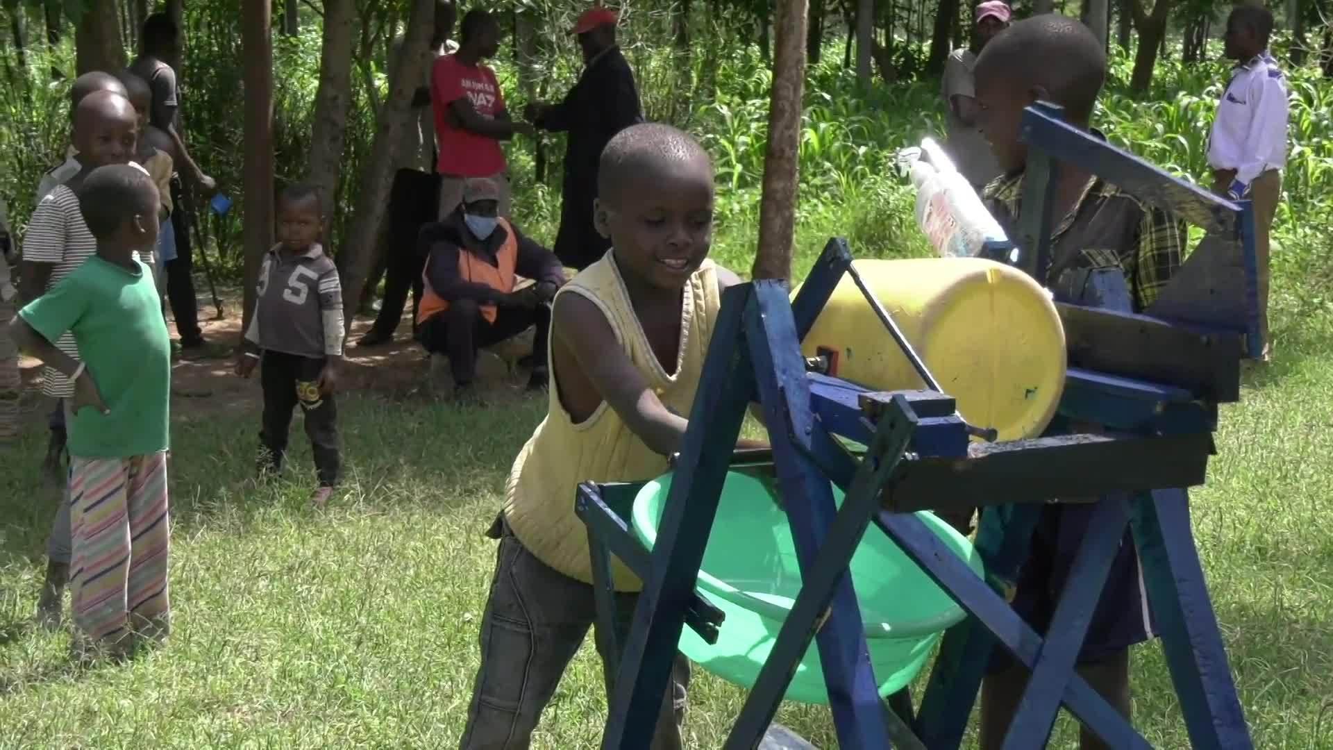 macchina per lavarsi le mani in Kenia