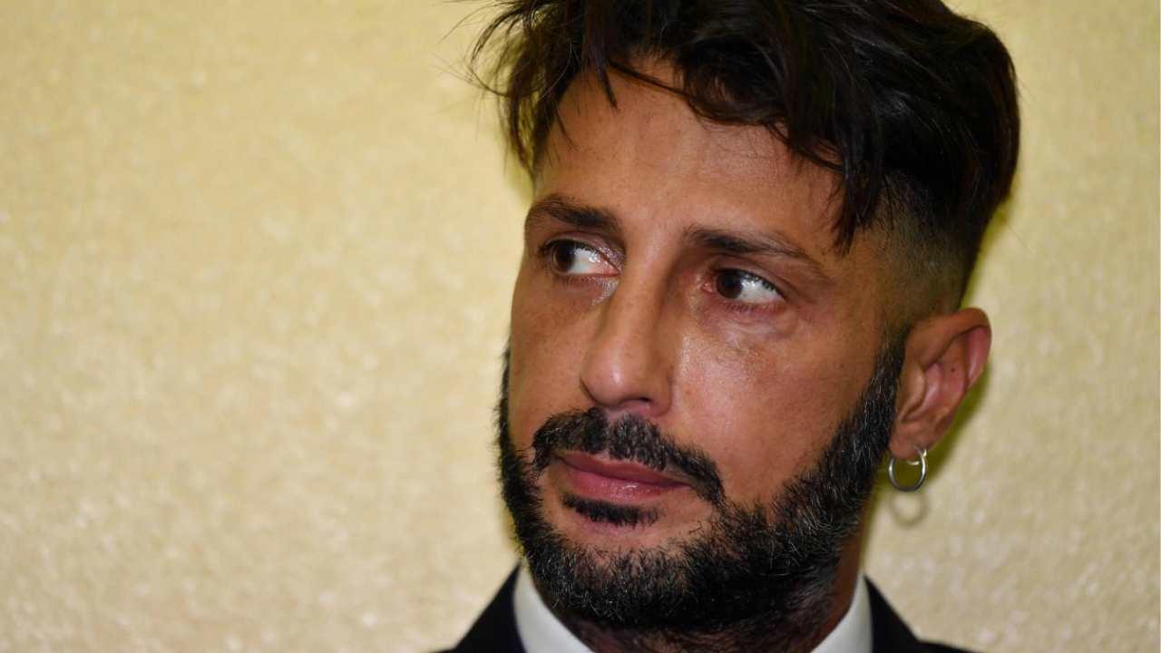 """""""Fabrizio Corona è arrabbiato come una bestia"""", parla il suo avvocato"""